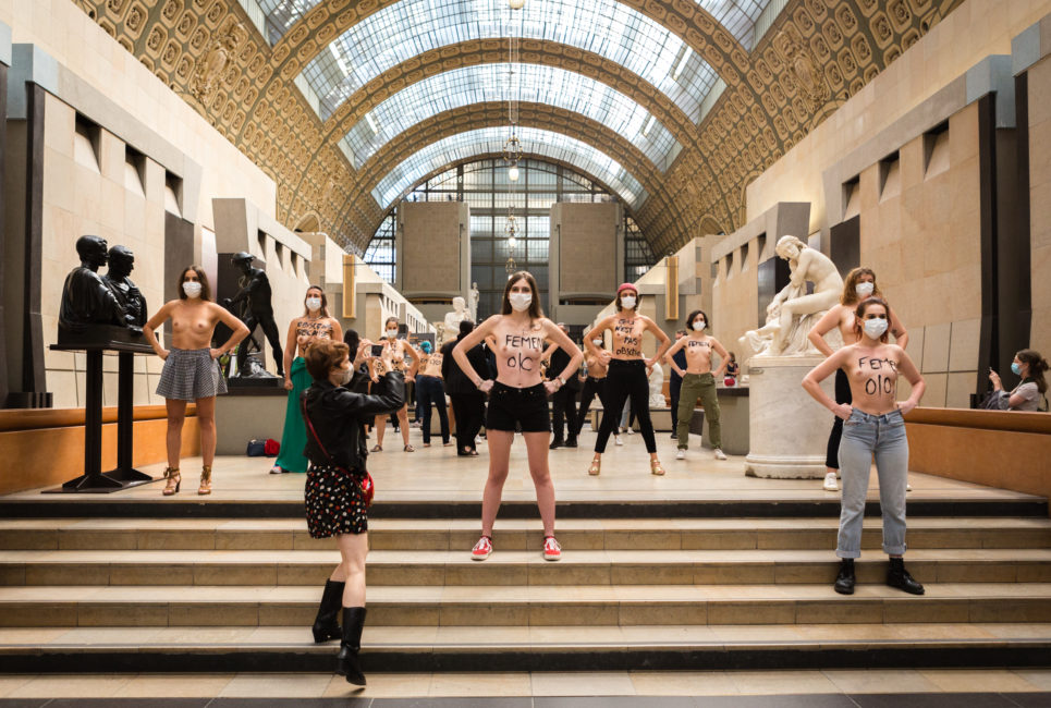 Les Femen au Musée d'Orsay après des discriminations sexistes