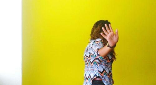 Brest : une femme invitée chez des amis refuse de partir sans avoir fait l'amour avec eux